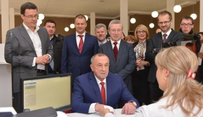 Александр Соловьев на открытии МФЦ в Ижевске