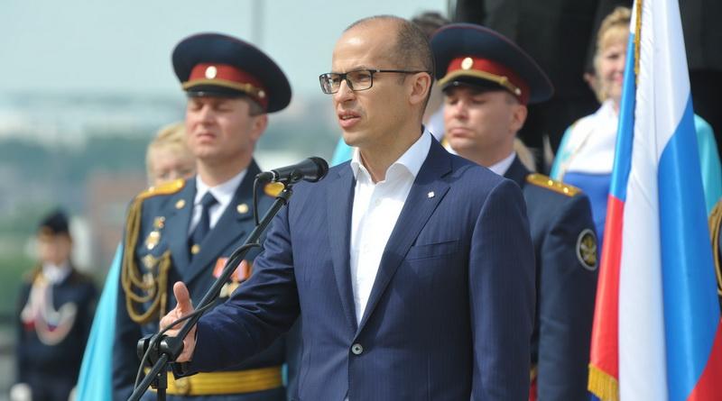 Бречалов командует парадом